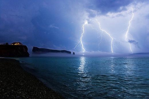 Natura dezlantuita: 30 de poze cu furtuni - Poza 3