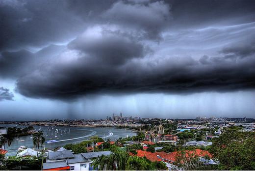 Natura dezlantuita: 30 de poze cu furtuni - Poza 27