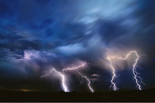 Natura dezlantuita: 30 de poze cu furtuni - Poza 1