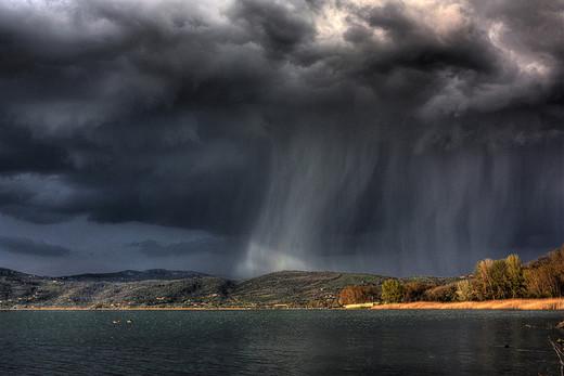 Natura dezlantuita: 30 de poze cu furtuni - Poza 4