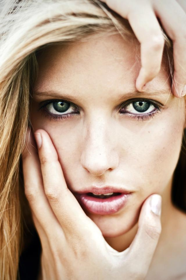 Portrete superbe by Caitlin Worthington - Poza 24