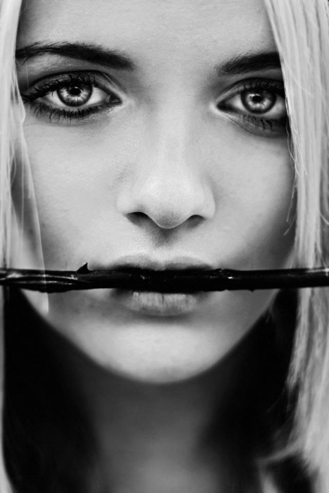 Portrete superbe by Caitlin Worthington - Poza 6