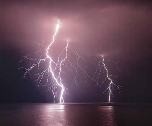 39 de fotografii uimitoare ale fulgerelor - Poza 8