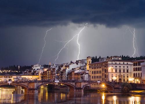 39 de fotografii uimitoare ale fulgerelor - Poza 31