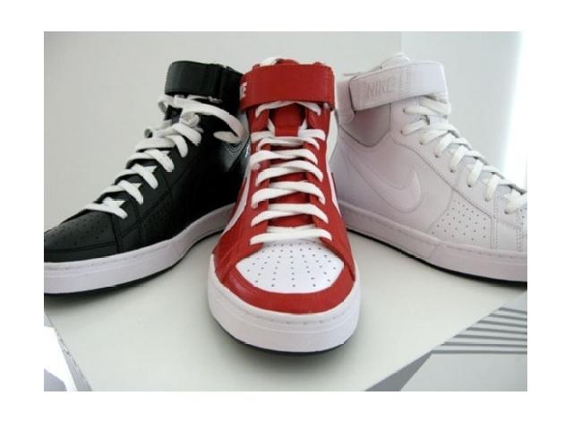 Poza 1: Nike Sportswear Fly Top