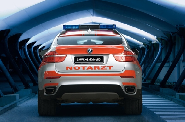 Poza 3: Ambulanta BMW X6