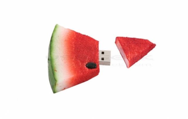 Poza 4: 35 de USB-uri traznite