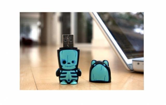 Foto 14: 35 de USB-uri traznite