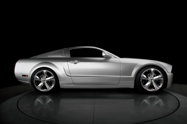 Poza 4: Iacocca Silver Ford Mustang