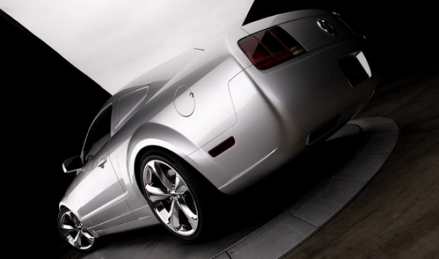 Poza 5: Iacocca Silver Ford Mustang