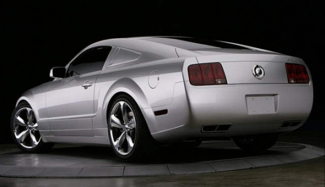 Poza 9: Iacocca Silver Ford Mustang