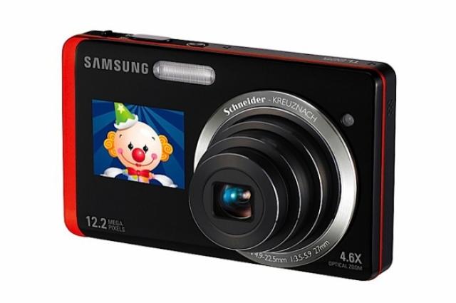 Poza 1: Samsung TL225: 2 display-uri la bord