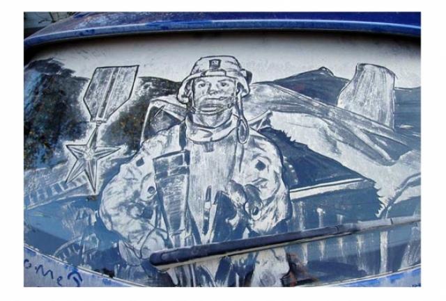 Foto 2: 20 de desene superbe pe masini murdare