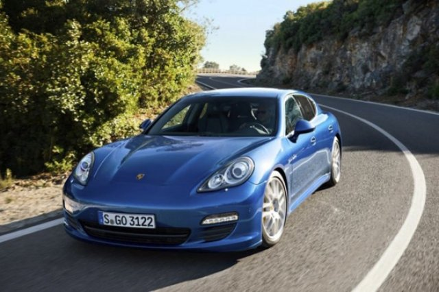 Foto 1: Porsche Panamera S Hybrid – Lux, sport si consum de 6,8 l/100 km