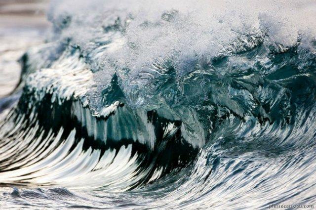 Frumusetea uluitoare a valurilor, in opt poze suprarealiste - Poza 2