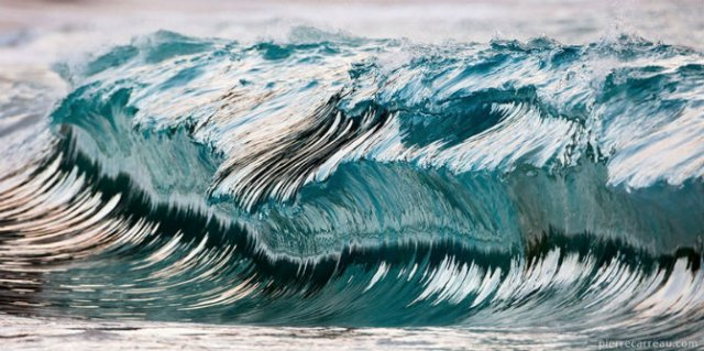Frumusetea uluitoare a valurilor, in opt poze suprarealiste - Poza 6