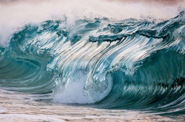 Frumusetea uluitoare a valurilor, in opt poze suprarealiste - Poza 7