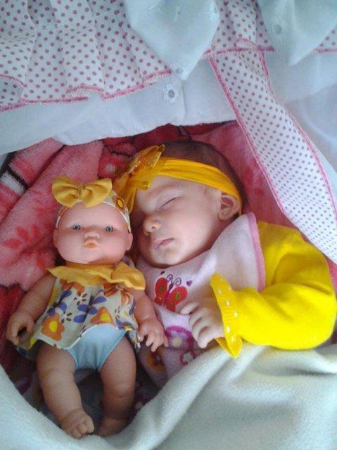 Copilasi adorabili care arata ca papusile lor - Poza 13