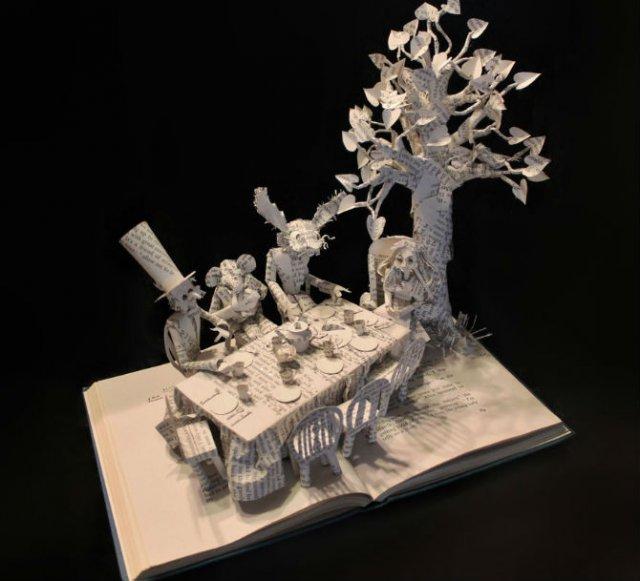 Cele mai frumoase sculpturi in carti,