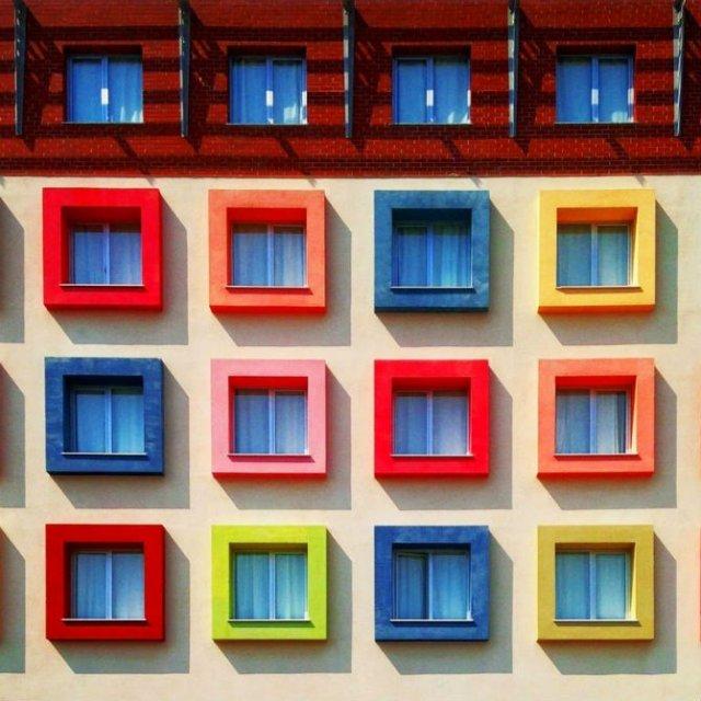 Fata multicolora a Istanbulului: Cele mai vesele cladiri din venerabil - Poza 11
