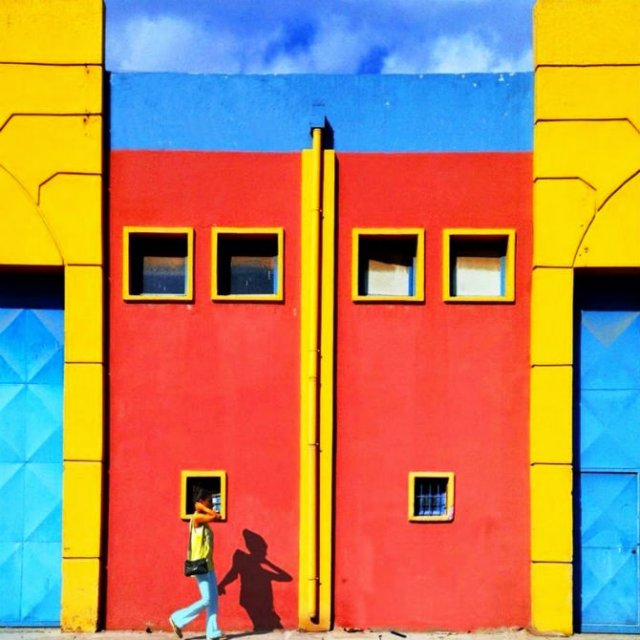Fata multicolora a Istanbulului: Cele mai vesele cladiri din venerabil - Poza 9