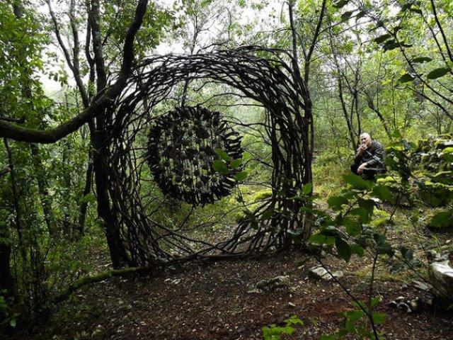 Jocul reinnoirii: Sculpturi mistice in natura, pentru natura - Poza 7