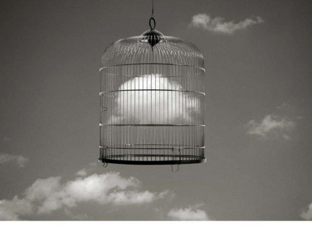 Poezia din spatele aparentelor banale, cu Chema Madoz - Poza 10