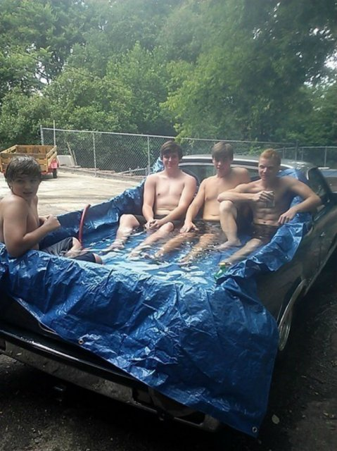 Cele mai trasnite piscine improvizate - Poza 11