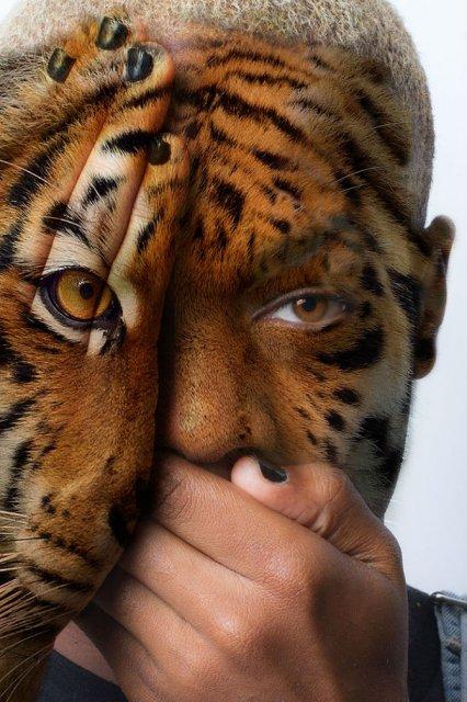 Fata salbaticiei: Expresia oamenilor captivi in pielea animalelor salb - Poza 6