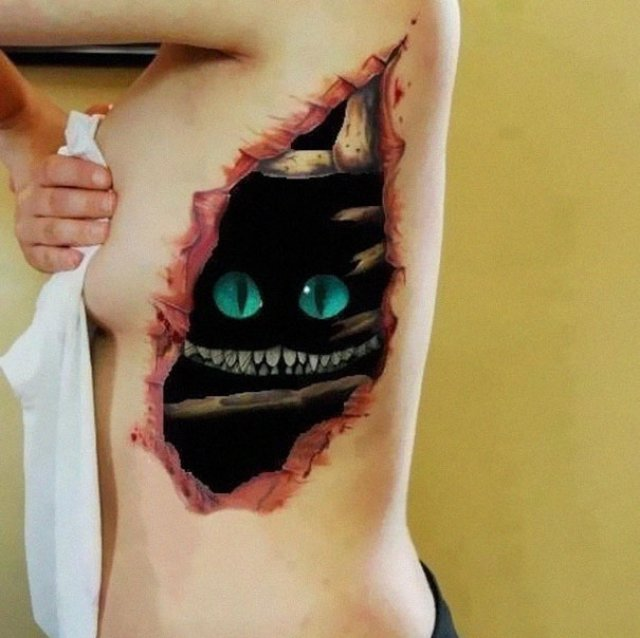 Tatuaje 3D realiste: Cerneala care prinde viata cand simte miros de pi - Poza 11