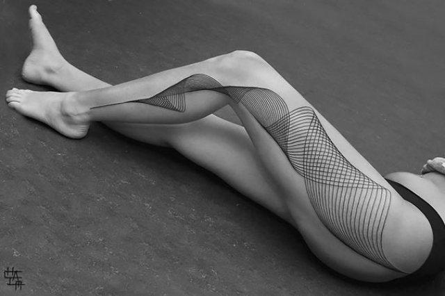 Tatuaje 3D realiste: Cerneala care prinde viata cand simte miros de pi - Poza 7