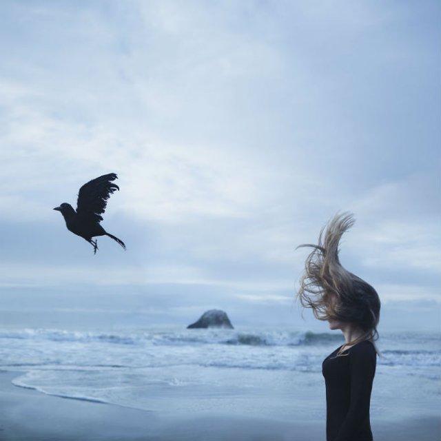 Explorarea propriei melancolii, in imagini suprarealiste - Poza 2