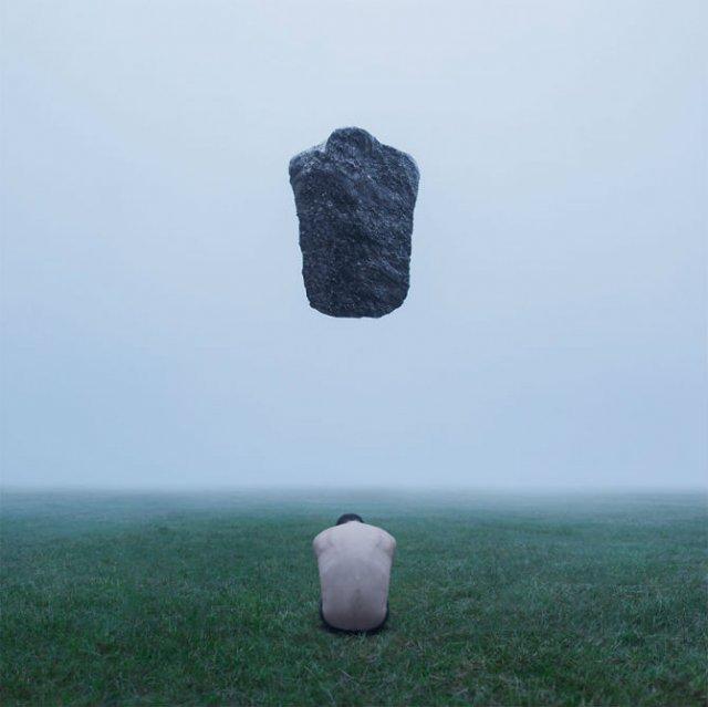 Explorarea propriei melancolii, in imagini suprarealiste - Poza 6