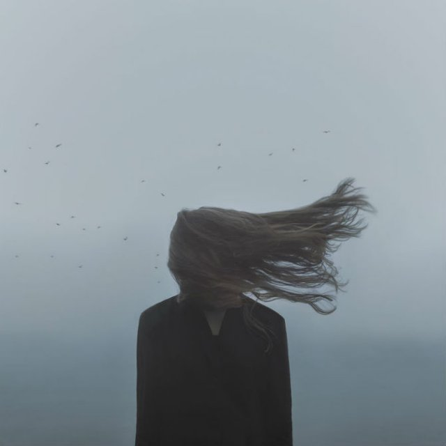 Explorarea propriei melancolii, in imagini suprarealiste - Poza 8