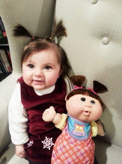 Copilasi adorabili care arata ca papusile lor - Poza 1