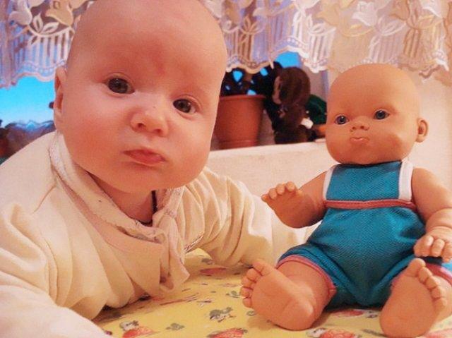 Copilasi adorabili care arata ca papusile lor - Poza 3