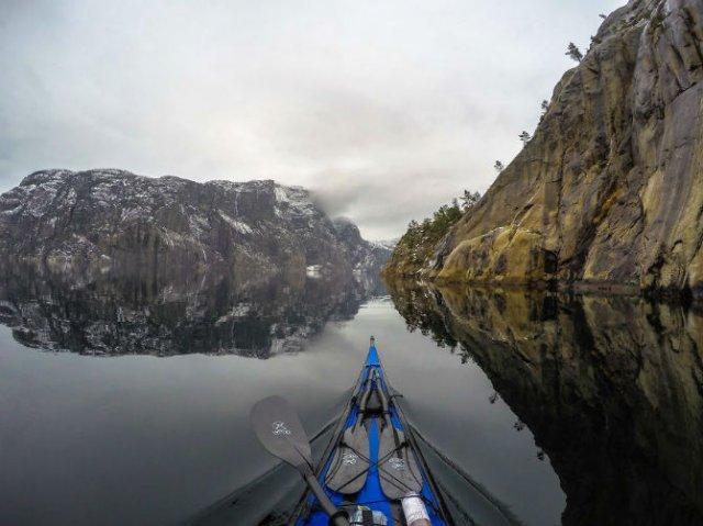 Un fotograf, un caiac si cele mai frumoase peisaje din lume - Poza 15