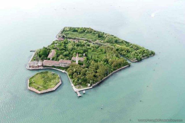Cele mai frumoase locuri abandonate din lume - Poza 13