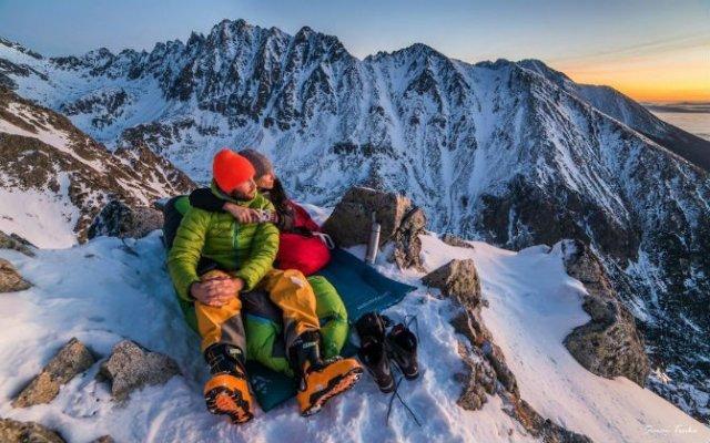 In doi, sub cerul liber: Intalnire pe varful muntilor - Poza 2