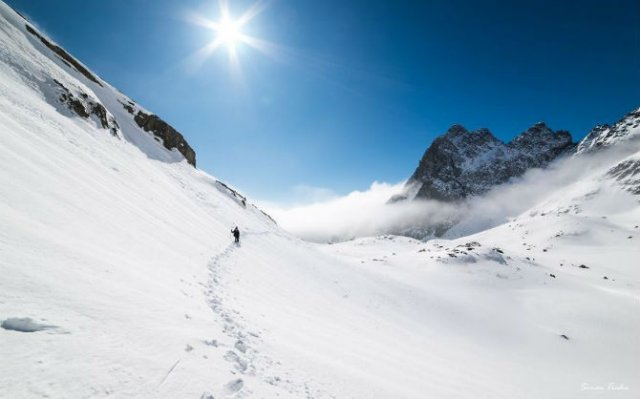 In doi, sub cerul liber: Intalnire pe varful muntilor - Poza 8