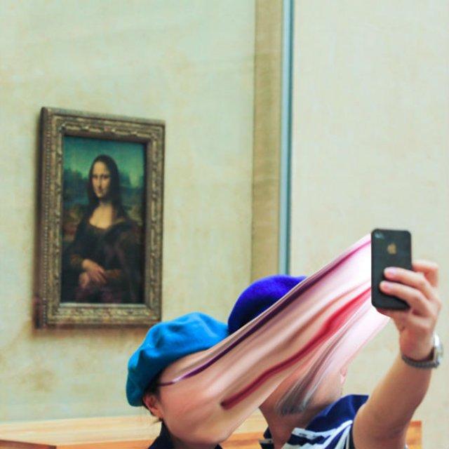Prizonieri in virtual: Dispozitivele mobile care absorb suflete - Poza 1