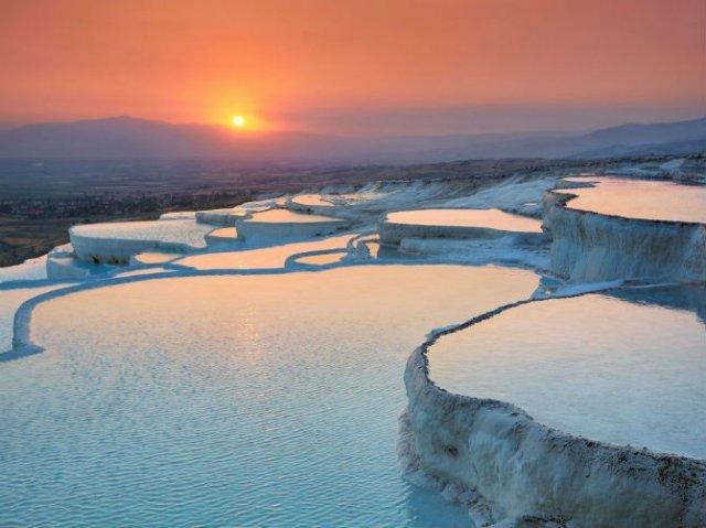 Calatoria de neuitat prin locuri de o frumusete ireala