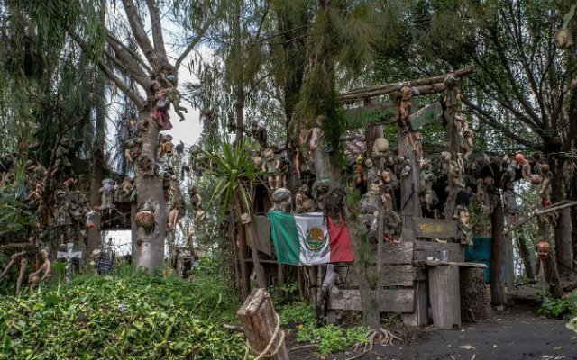 Insula Papusilor, in 11 fotografii care dau cosmaruri