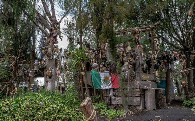 Insula Papusilor, in 11 fotografii care dau cosmaruri - Poza 8