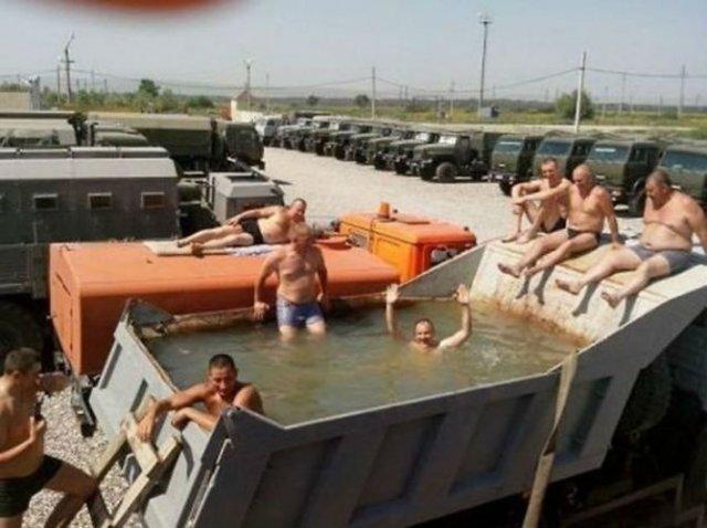 Cele mai trasnite piscine improvizate - Poza 9