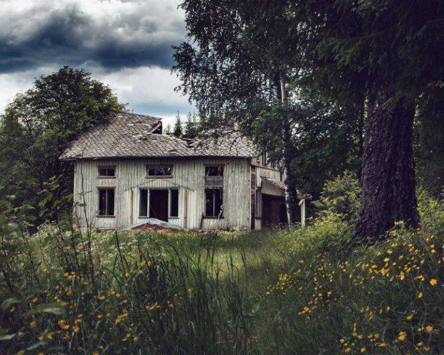 Frumusetea caselor abandonate de pe taramurile nordice - Poza 9