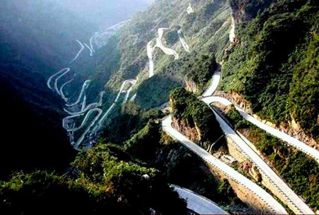 Drumuri spectaculoase din jurul lumii - Poza 14