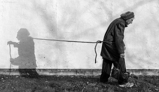 Despre singuratate si boala, cu o batranica haioasa - Poza 1