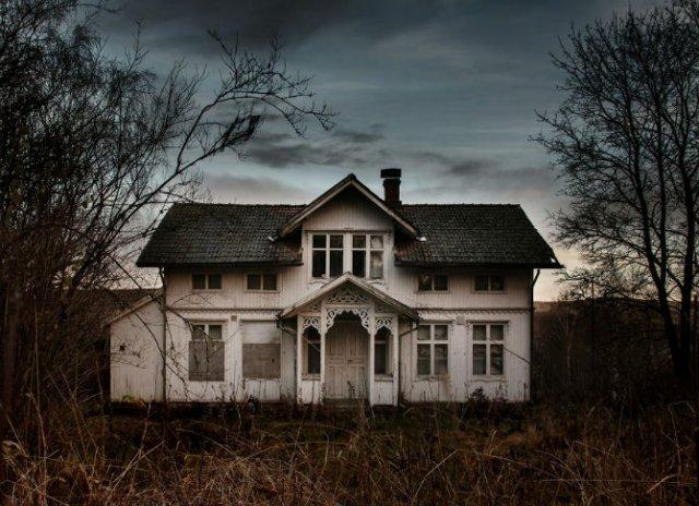 Frumusetea caselor abandonate de pe taramurile nordice - Poza 5