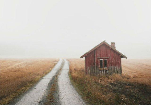 Frumusetea caselor abandonate de pe taramurile nordice - Poza 1